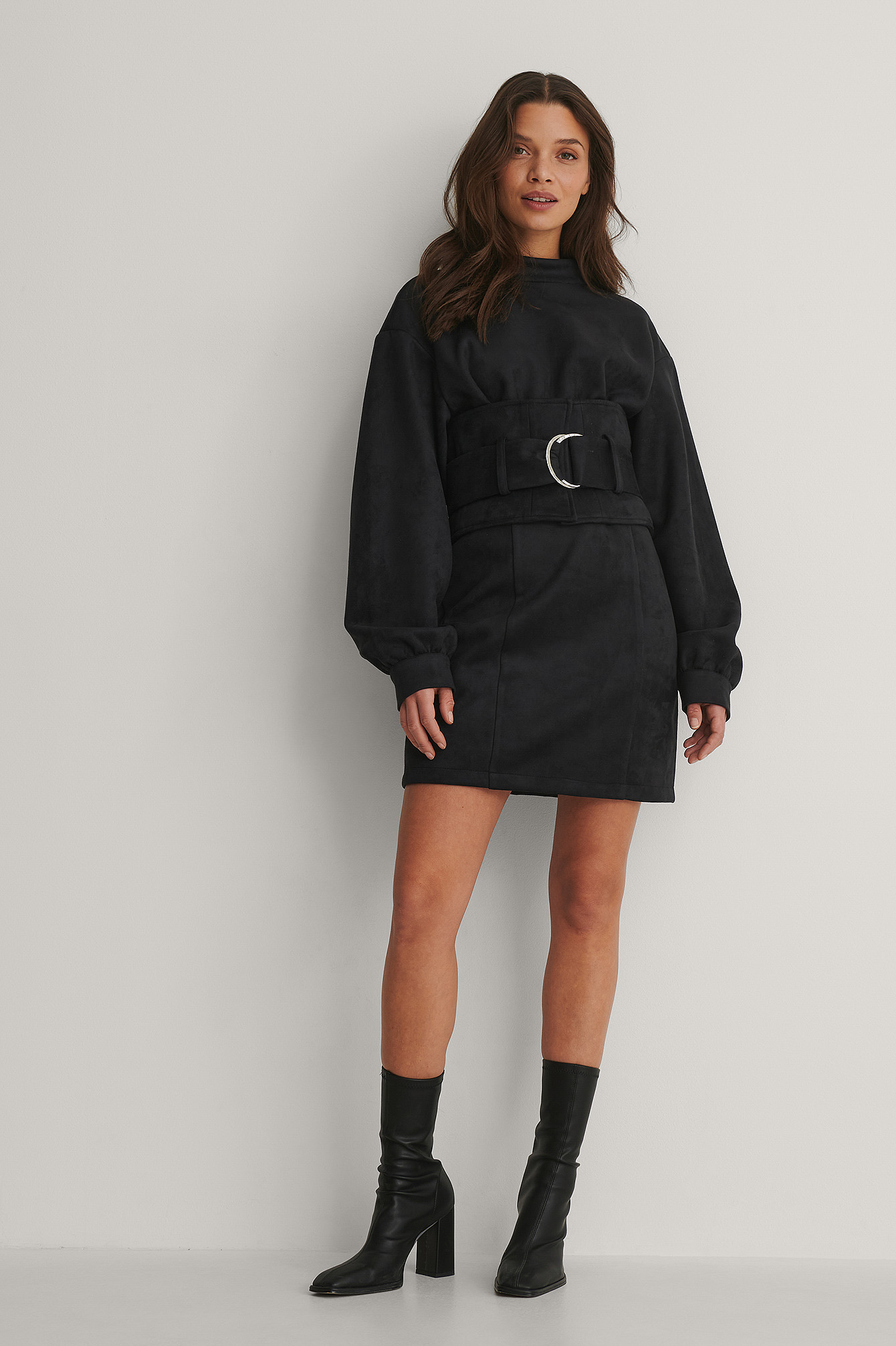 Black Robe Mini