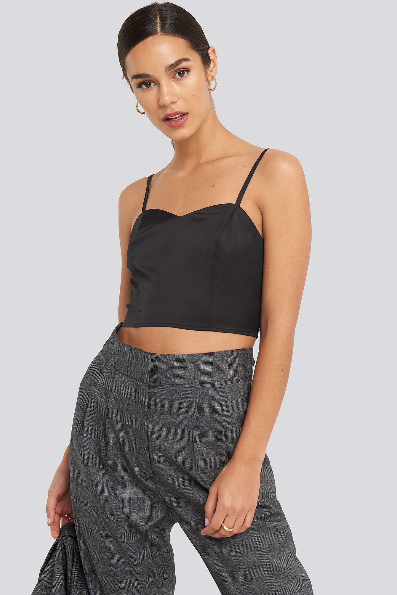 Black Bust Detail Cropped Top
