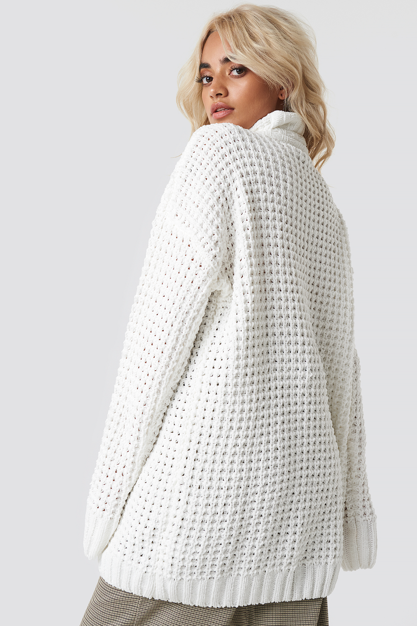 Offwhite Chunky Oversized Knitted Sweater