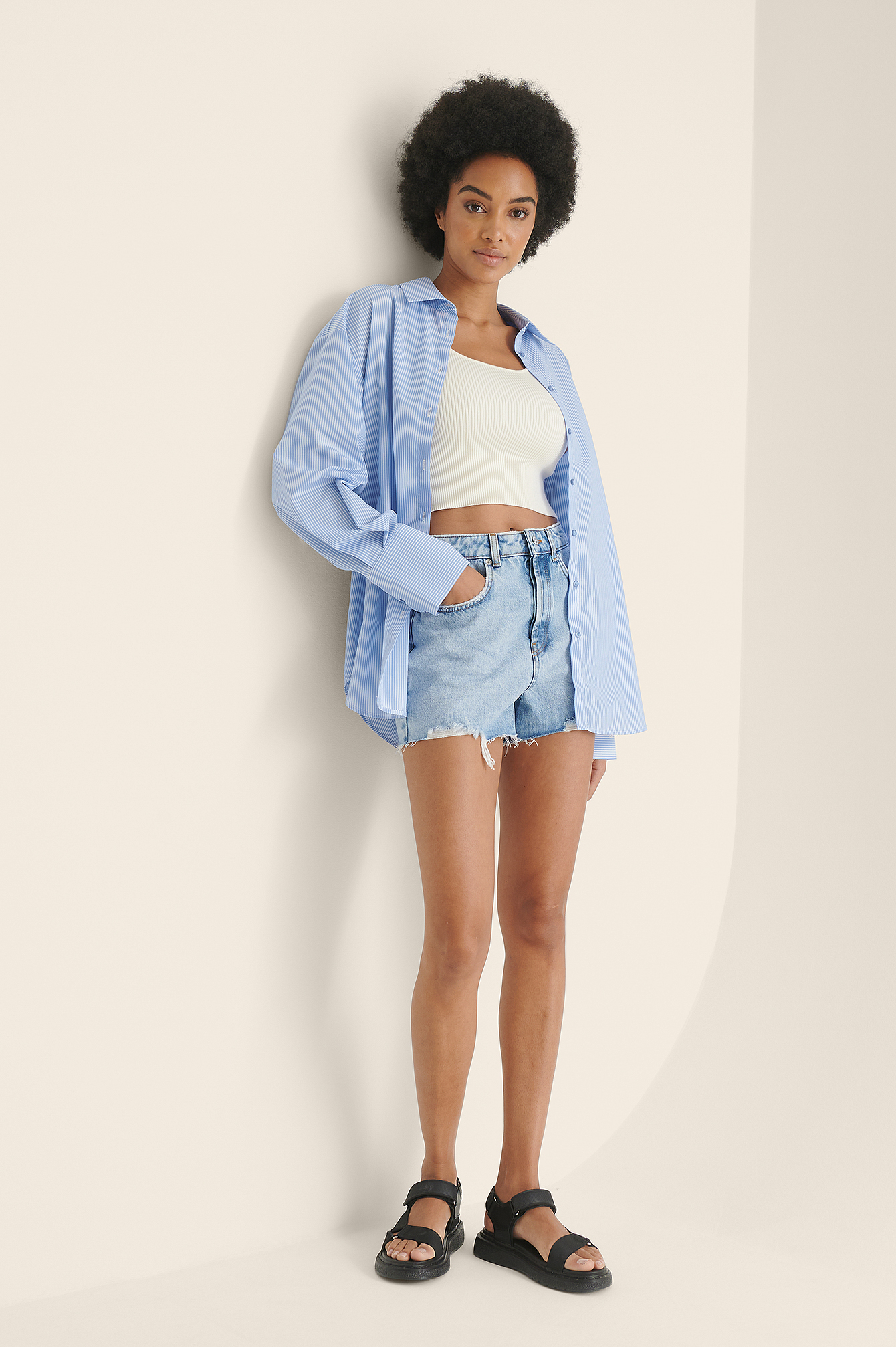 Light Blue Short En Jean Déchiré