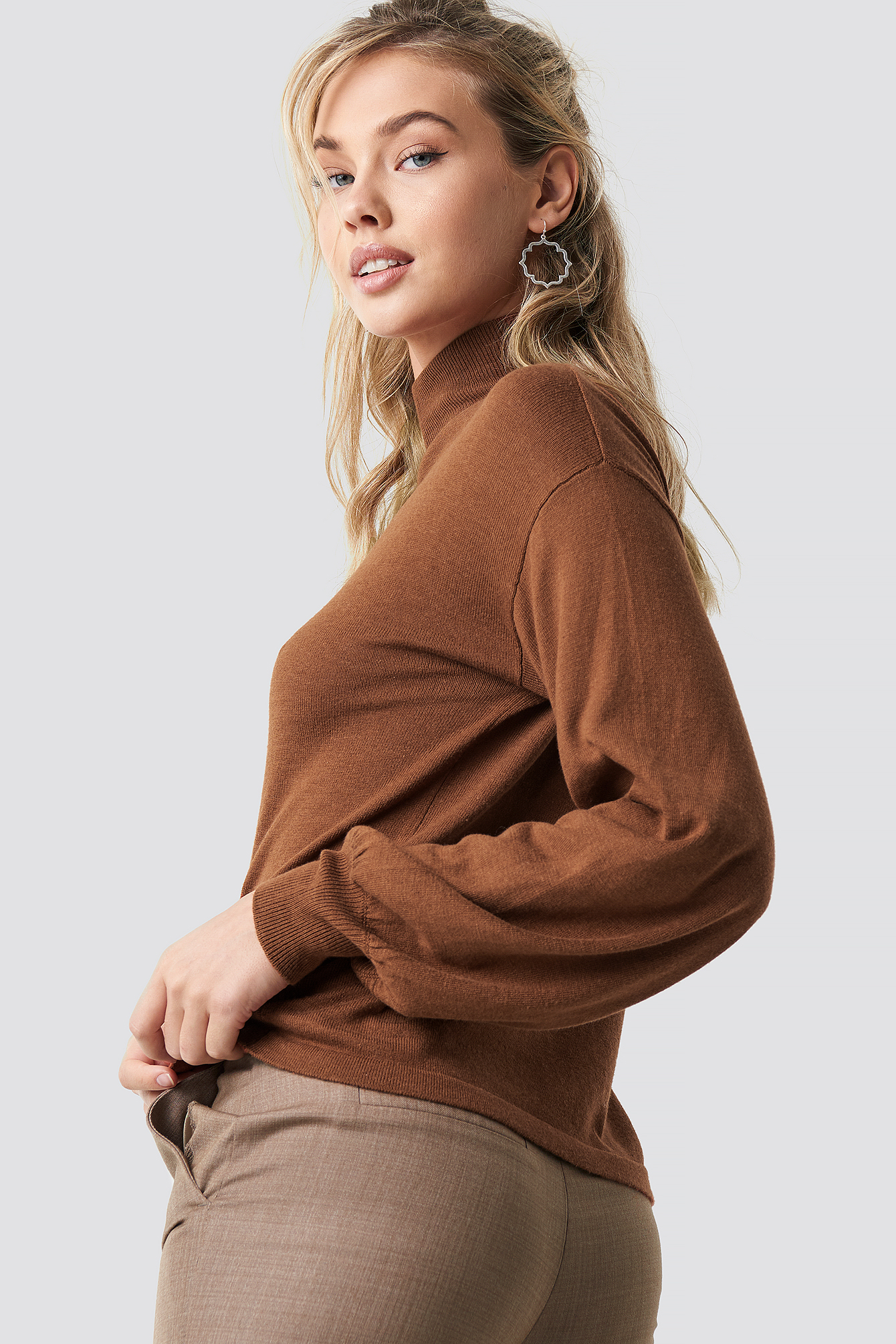 Brown High Neck Balloon Sleeve Sweater