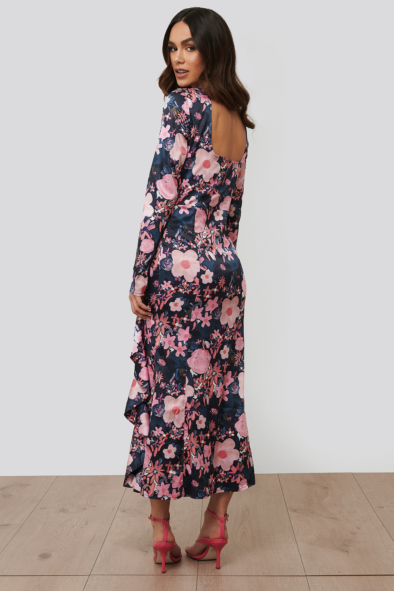 Dark Poppy Flower Robe Midi Col Haut