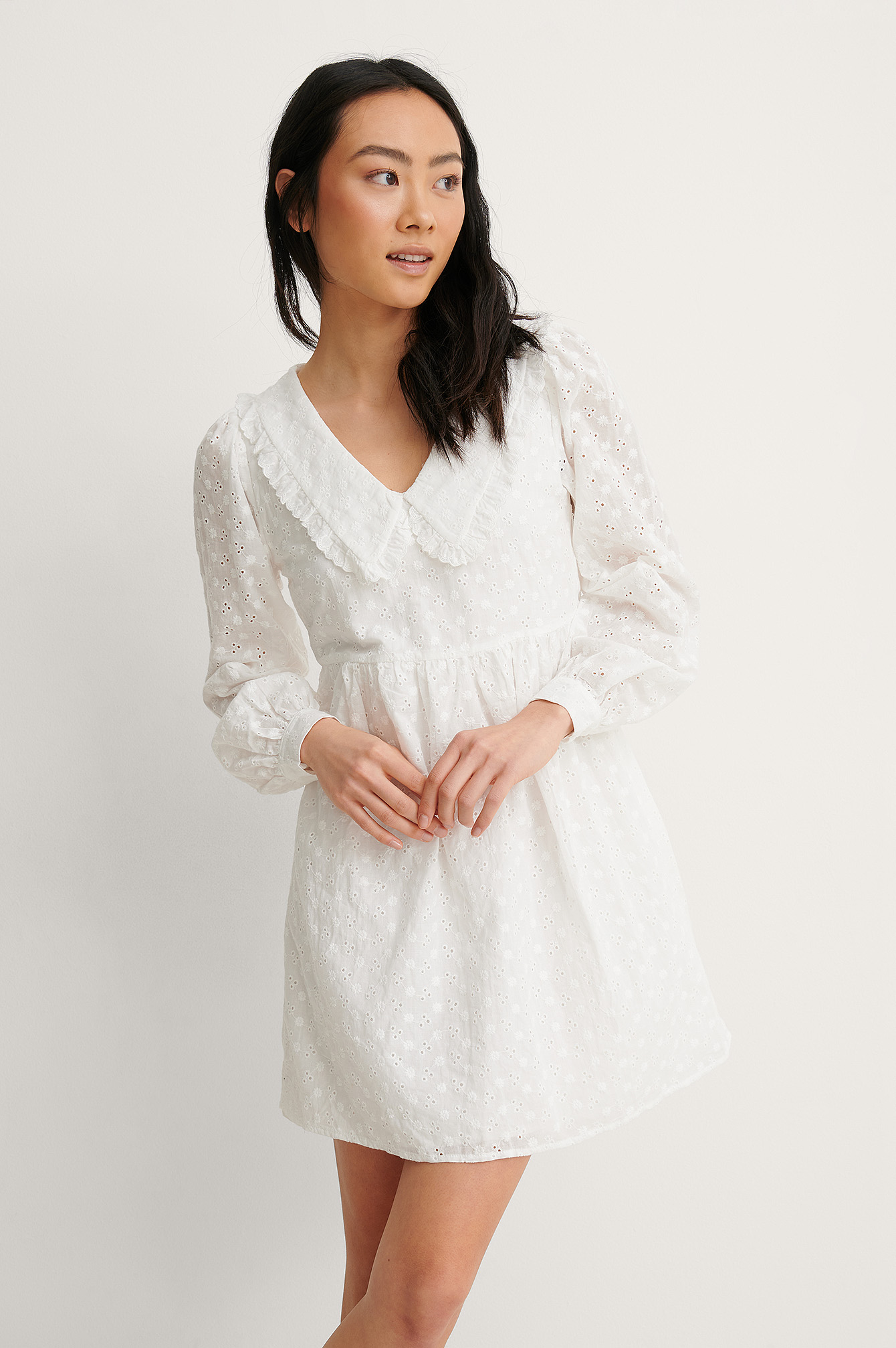 White Robe Mini Col En V