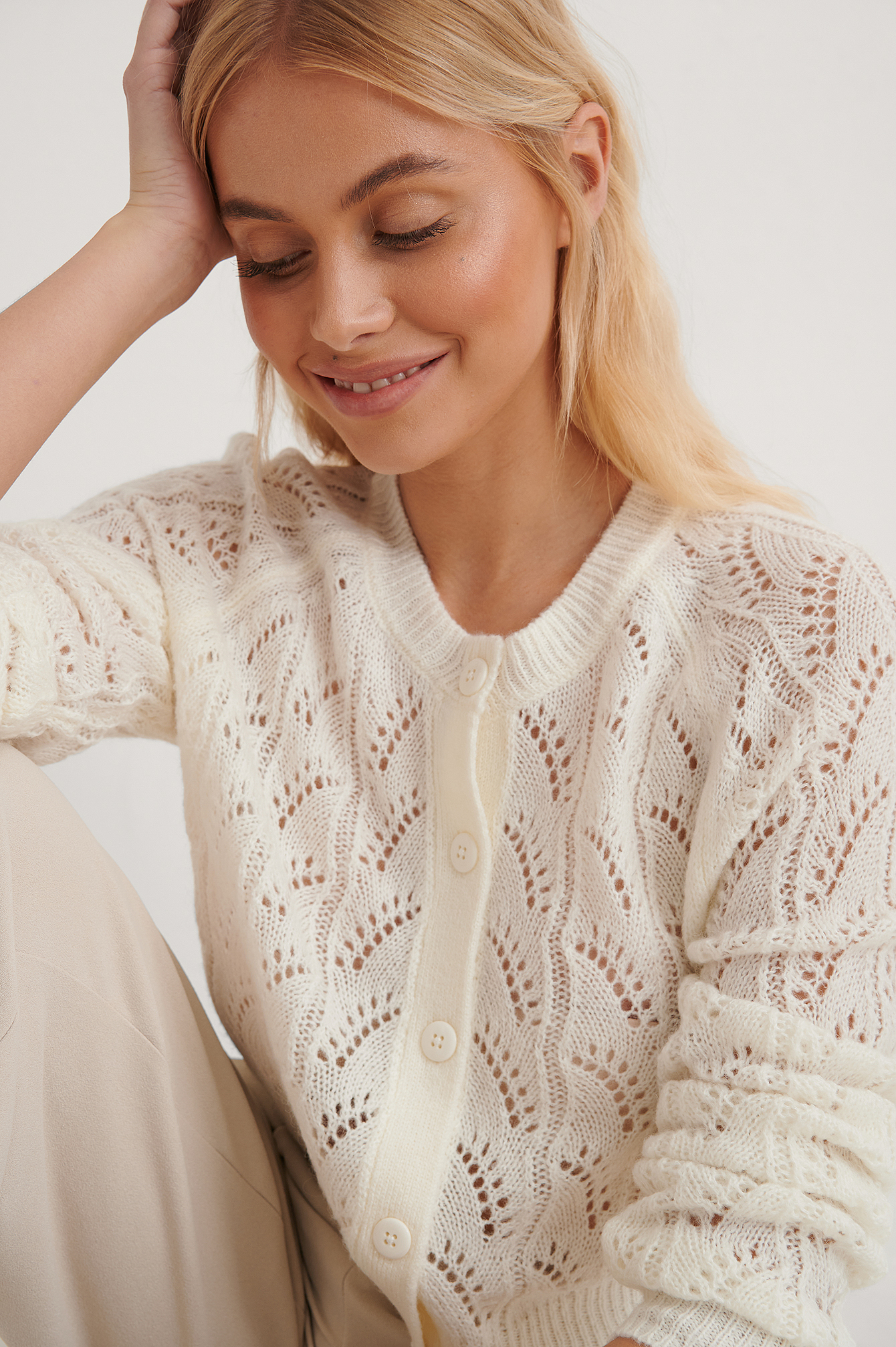 White Cardigan Tricot