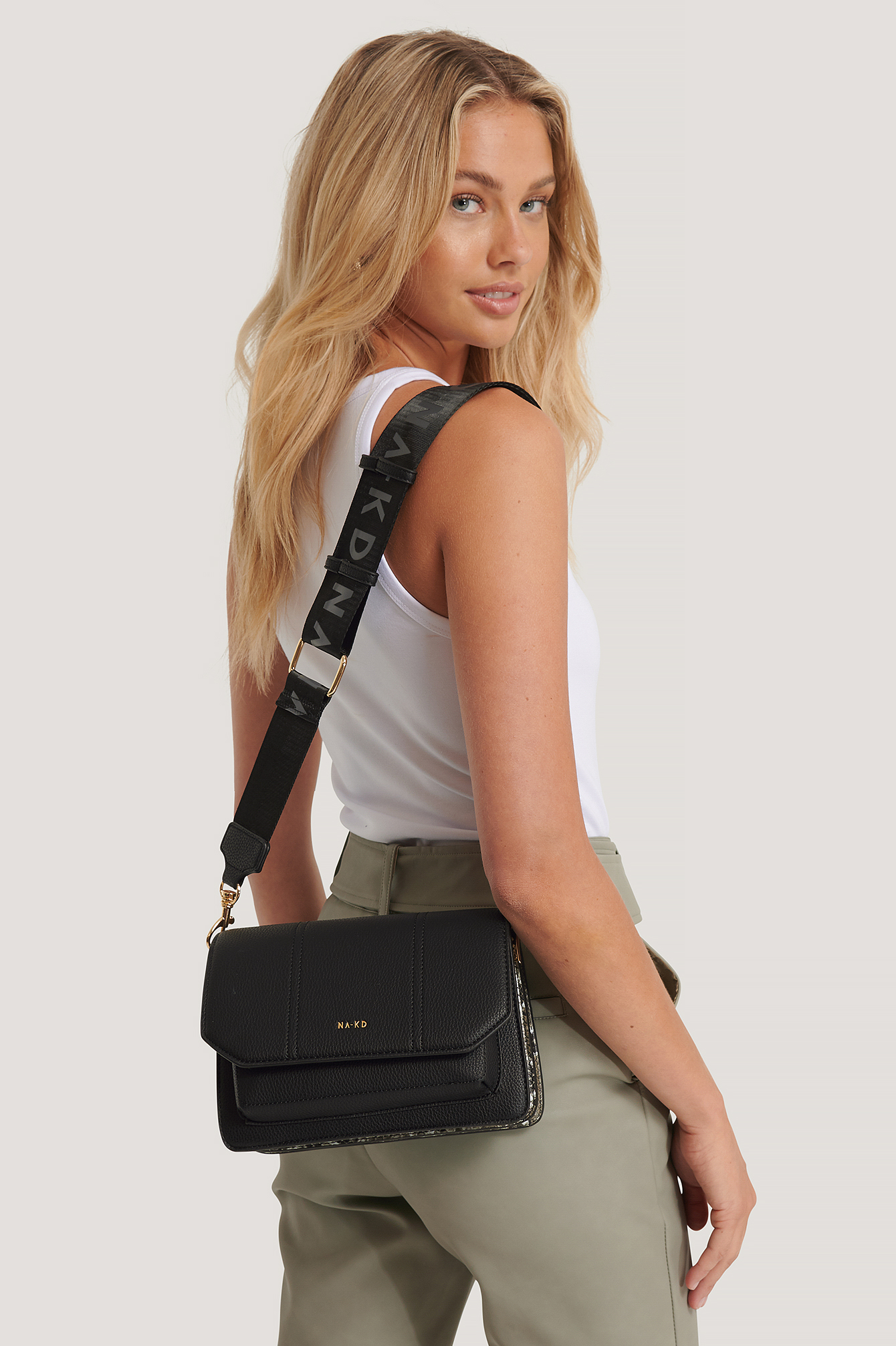 Black/Grey Snake Detailed Crossover Bag