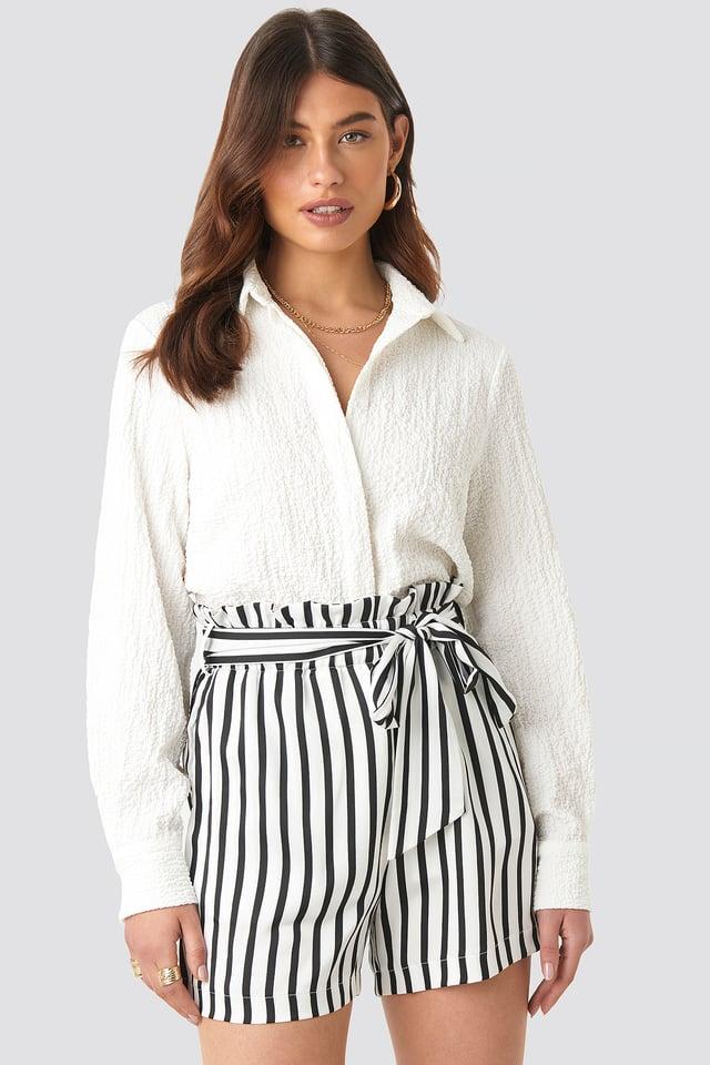 Striped Paperwaist Shorts Black/White Stripe