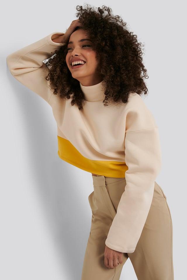 White/Yellow Pull Court