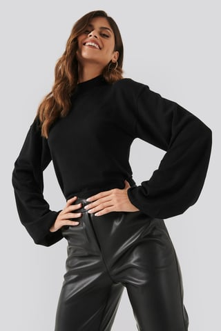 Black Balloon Sleeve Cropped Sweater