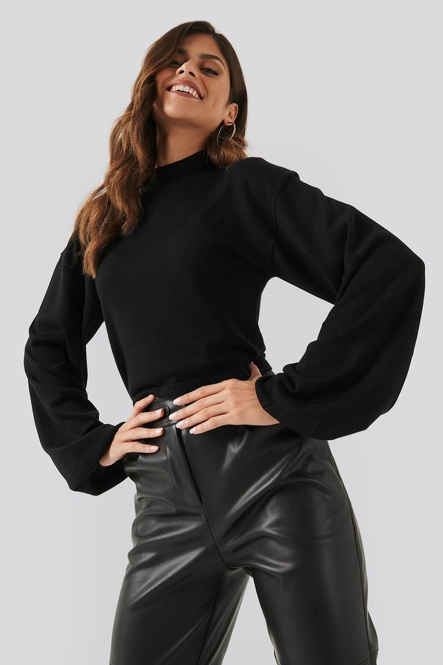 Balloon Sleeve Cropped Sweater Black