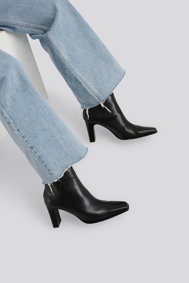 Bell Ankle Boots Black