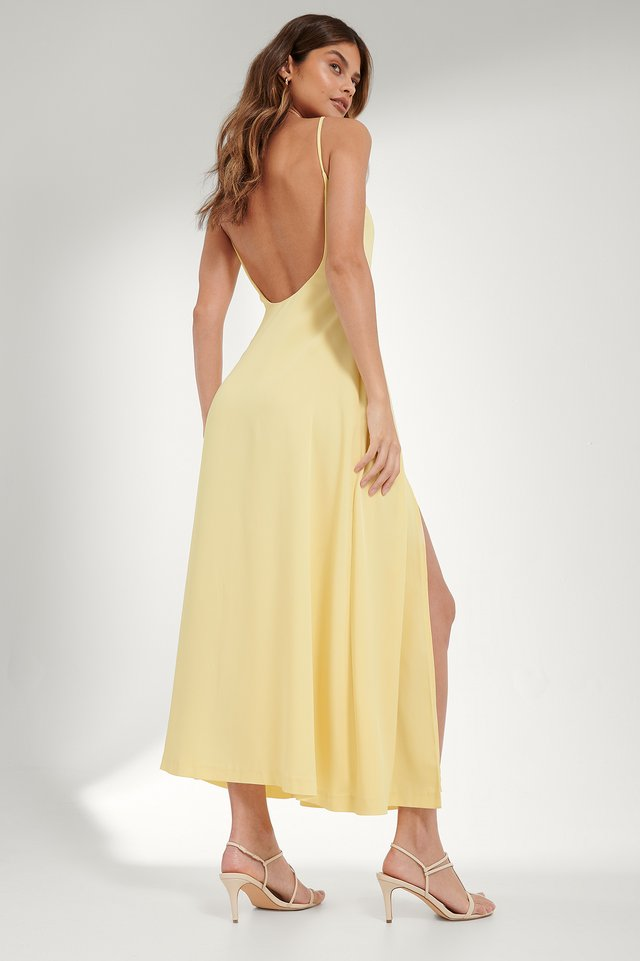 Dusty Yellow Maxi Robe Dos Ouvert