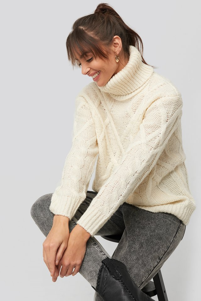 Cable Knitted High Neck Sweater Offwhite