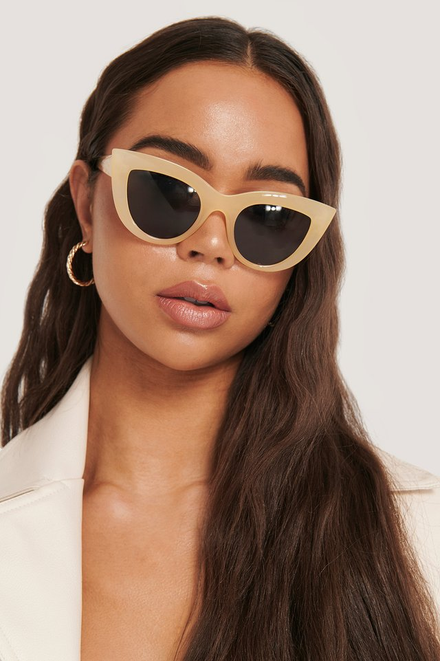 Chunky Pointy Cat Eye Sunglasses Beige