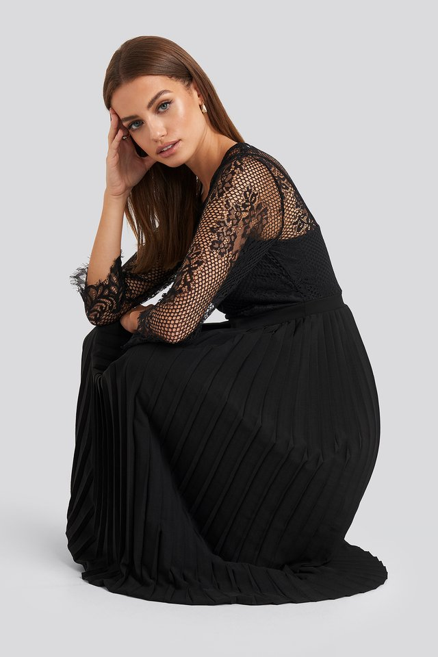 Contrast Lace Midi Dress Black
