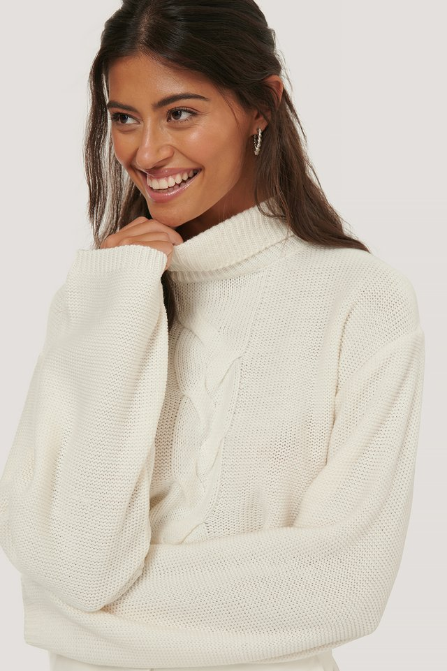 Offwhite Cropped Cable Detail Knit Sweater