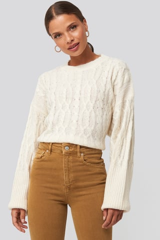 Offwhite Cropped Cable Knitted Sweater