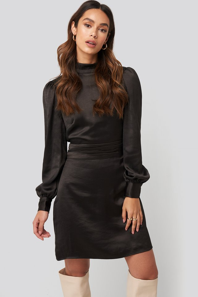 Robe Satin Col Haut Black