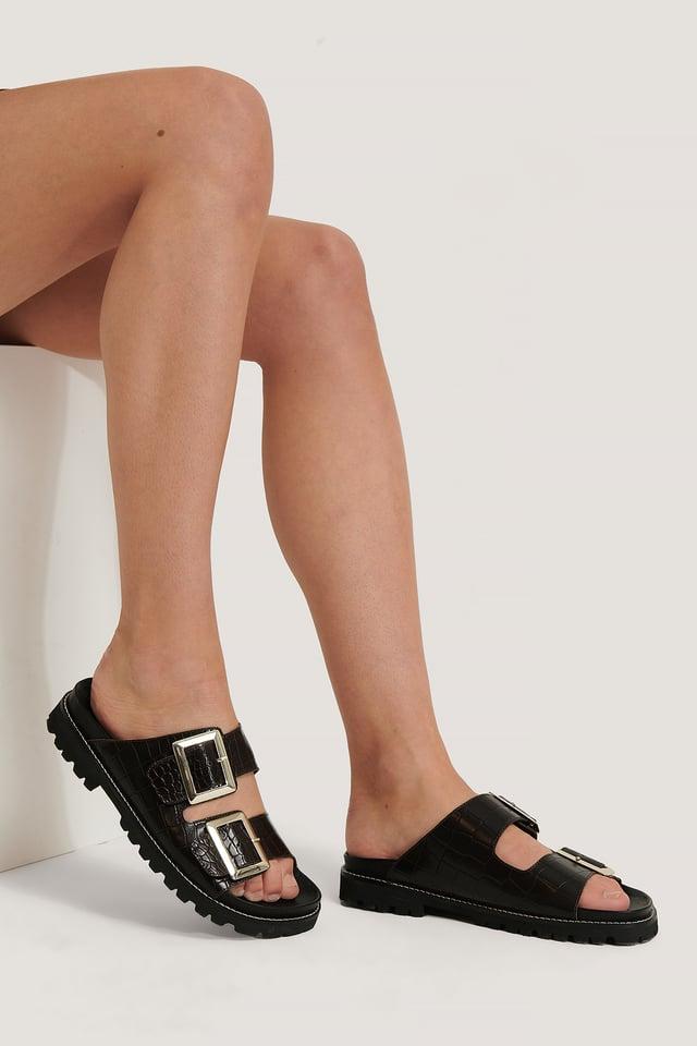 Sandales En Cuir À Grosses Boucles Mocha