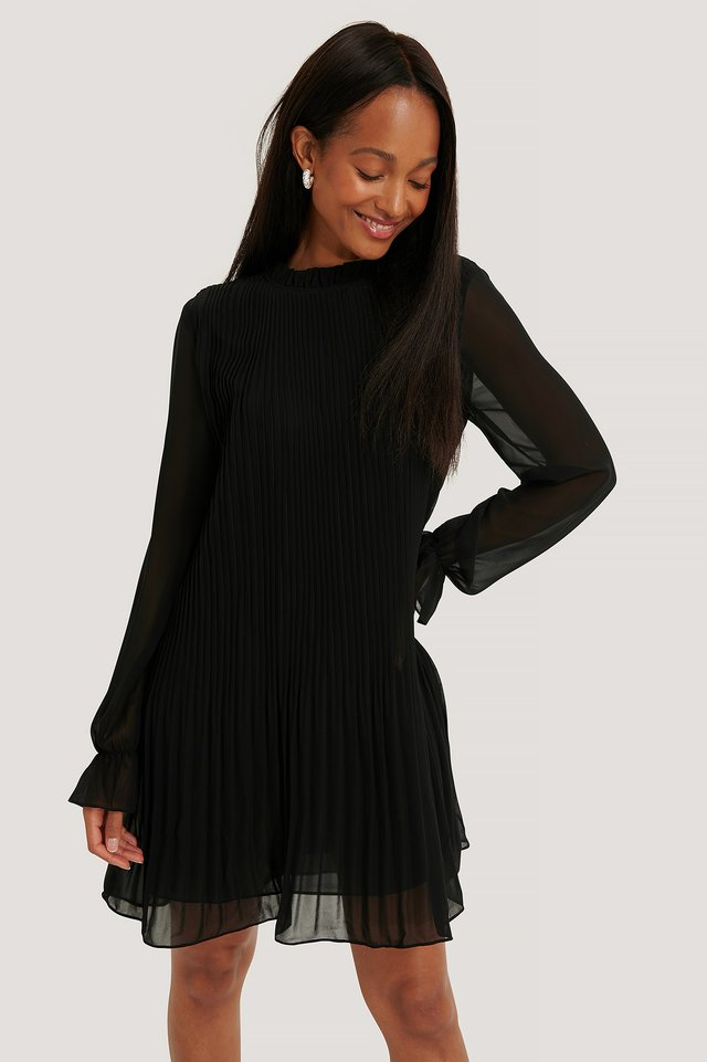 Mini Pleated Dress Black