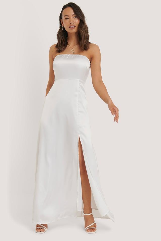White Robe Fendue Épaules Dénudées En Satin