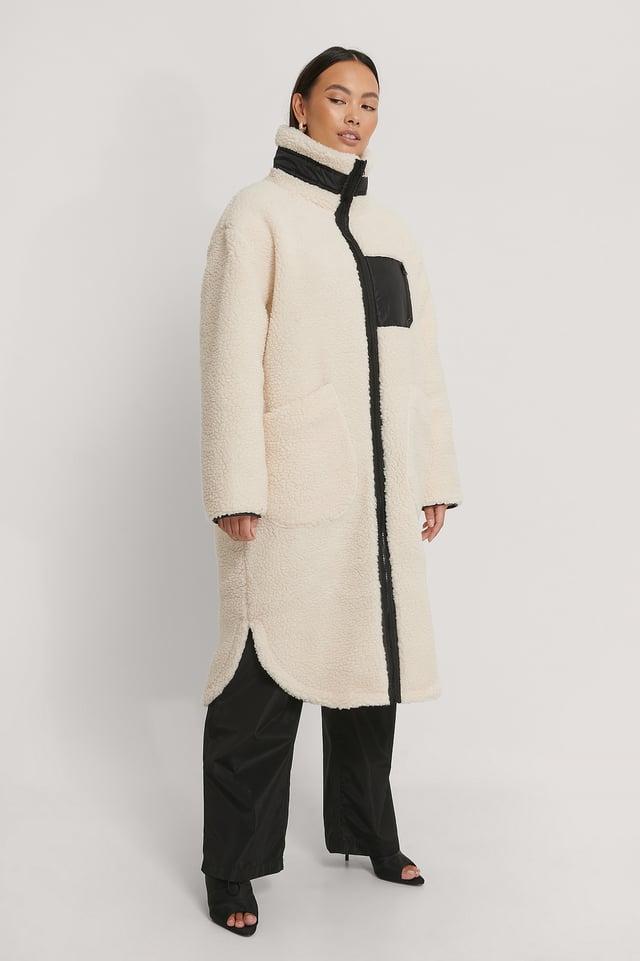White Manteau En Peluche À Poches Plaquées