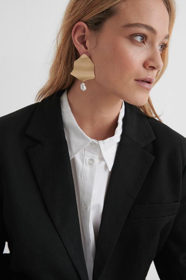 Pearl Detailed Plate Earrings Gold