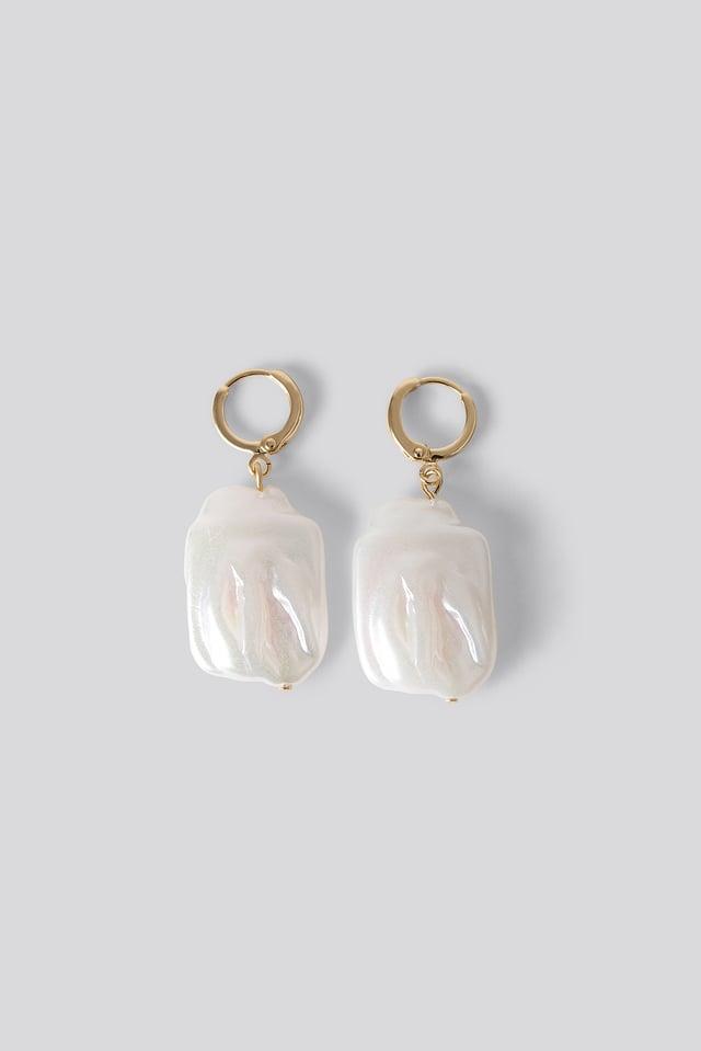 Pearl Hanging Earrings White
