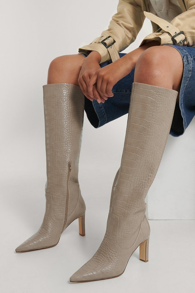 Taupe Bottes Pointues À Tige Ample