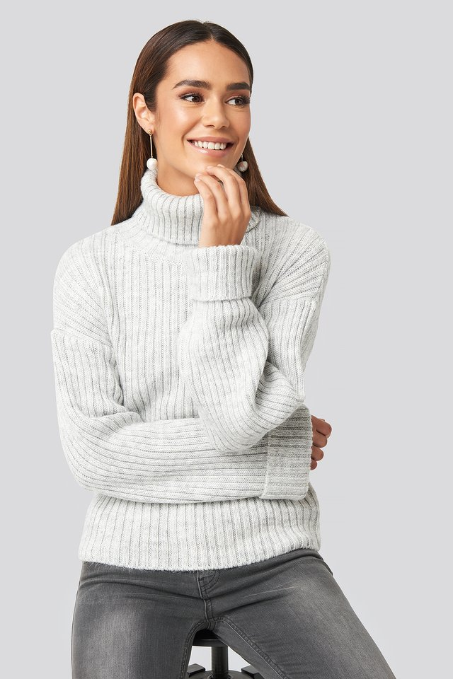 Light Grey Ribbed Knitted Turtleneck Sweater