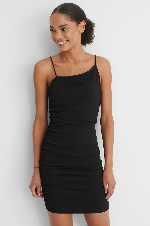 Black Mini Robe Asymétrique
