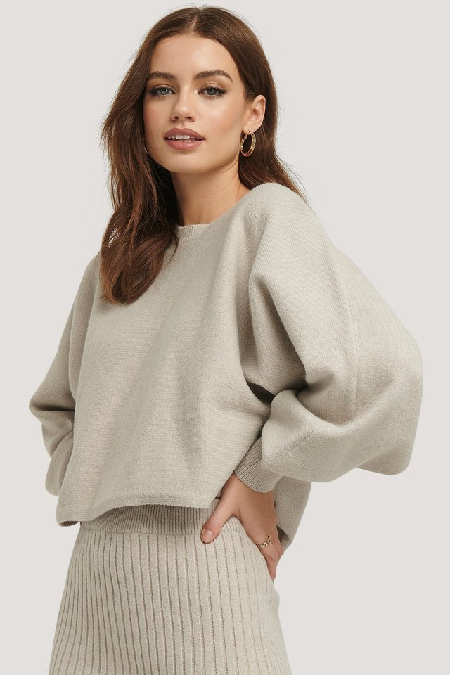 Round Neck Cropped Knitted Sweater Beige