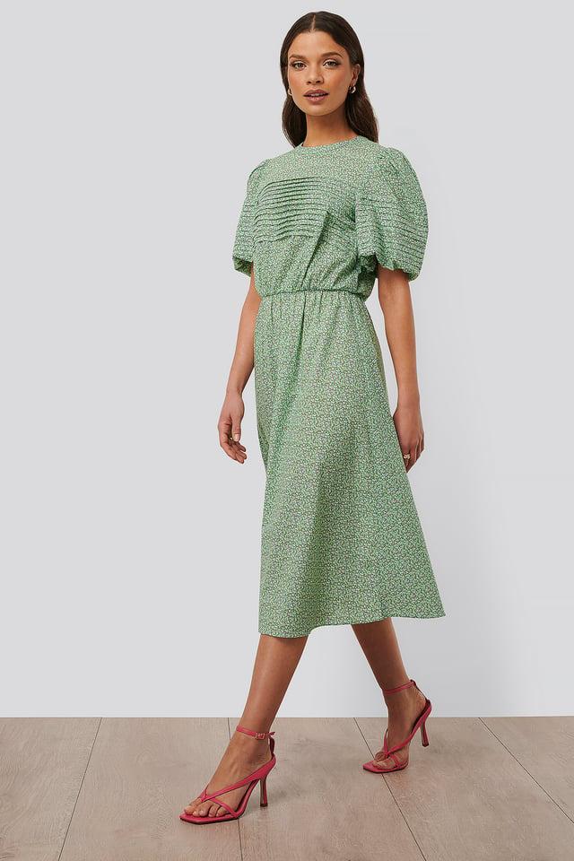 Green Flower Robe Mi-Longue À Manches Bouffantes