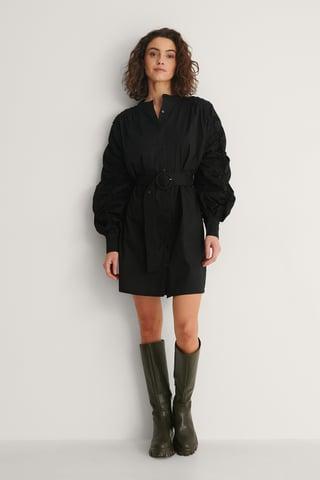 Black Robe À Détails Sur Les Manches