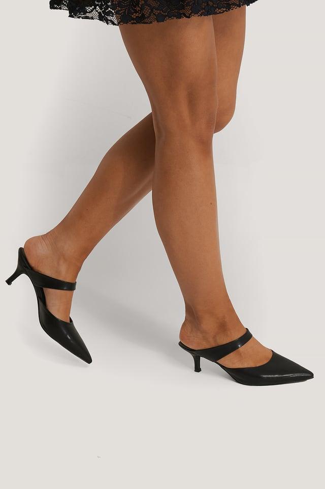 Black Sandales