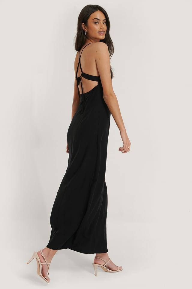 Black Robe À Bretelles Nouées Au Dos