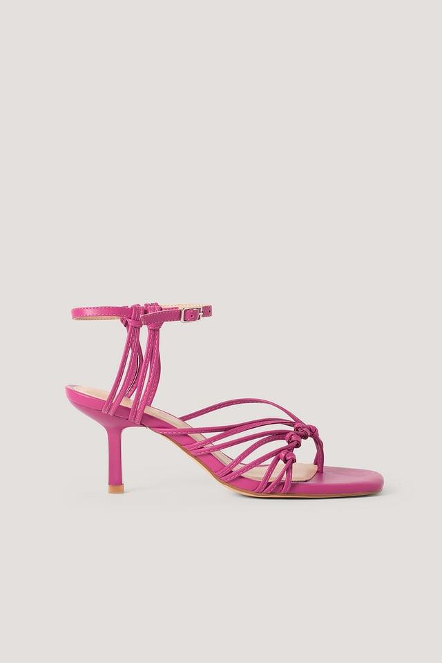 Hot Pink Sandales À Bague D'Orteil Et Lanières À L'Arrière