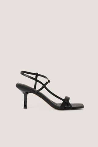 Black Chaussures Talons Bout Carré Et Lanières Multiples