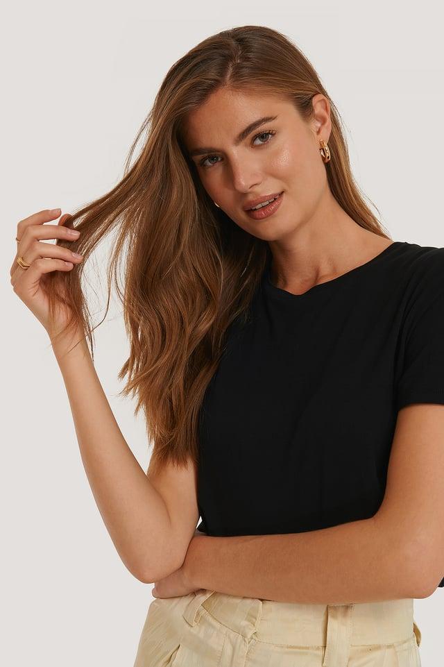 Black Tee-Shirt
