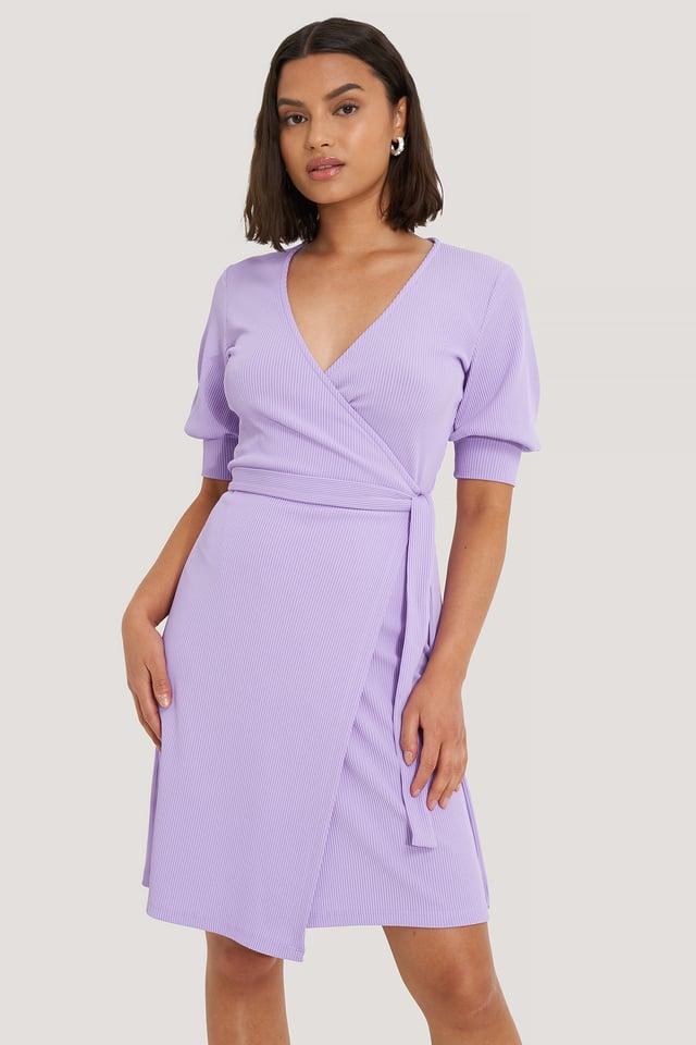 Lavender Robe Mini Cache-Coeur À Manches Bouffantes