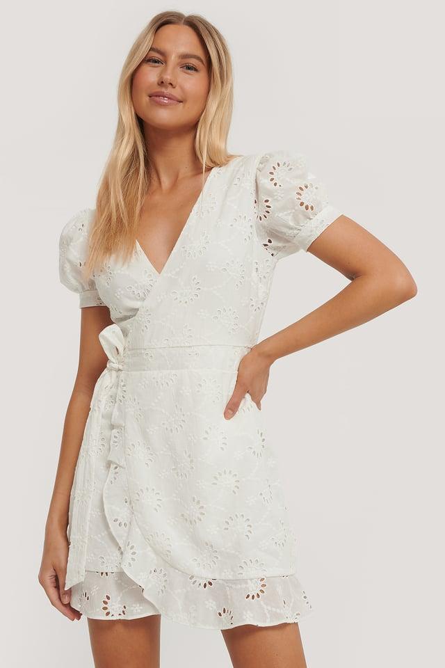 Robe Manches Courtes En Crochet White