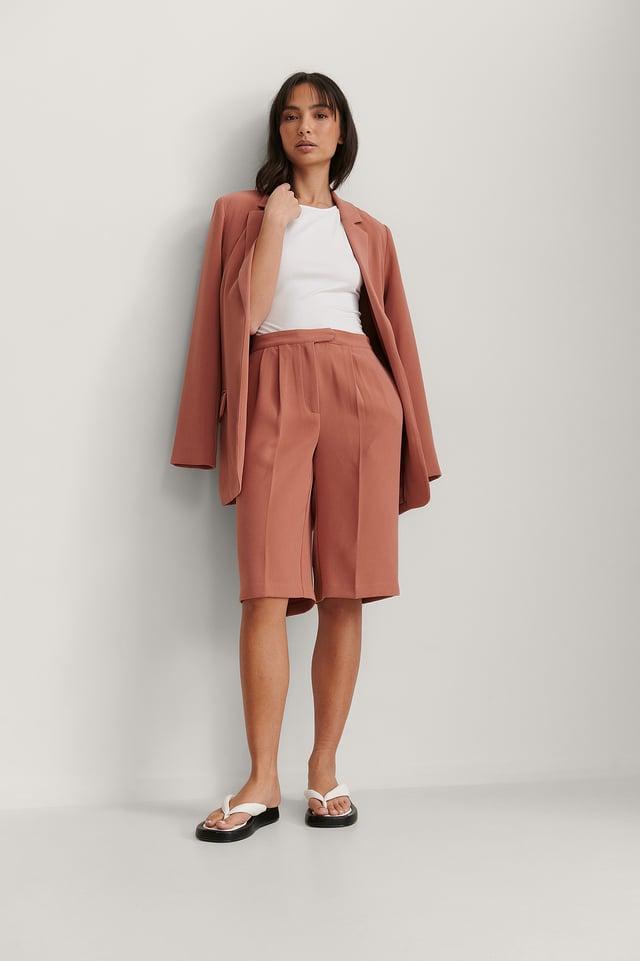 Long Bermuda Shorts Outfit