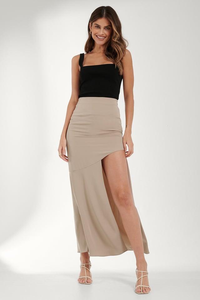 Asymmetric Flowy Skirt Outfit