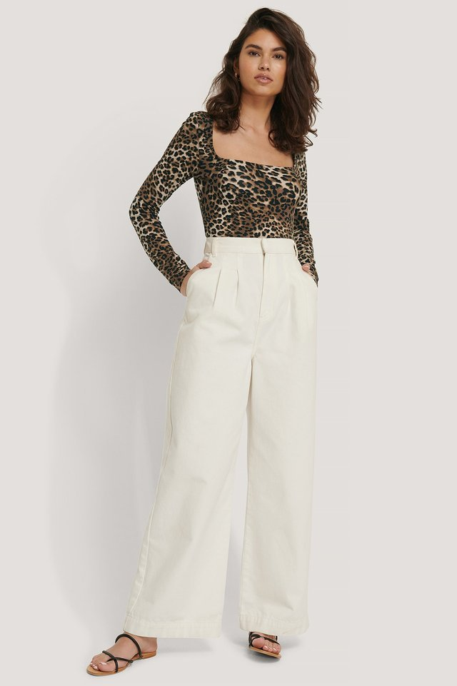 Square Neck Leo Top Outfit.