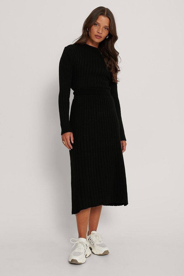 Ribbed Knitted Flared Skirt Outfit.