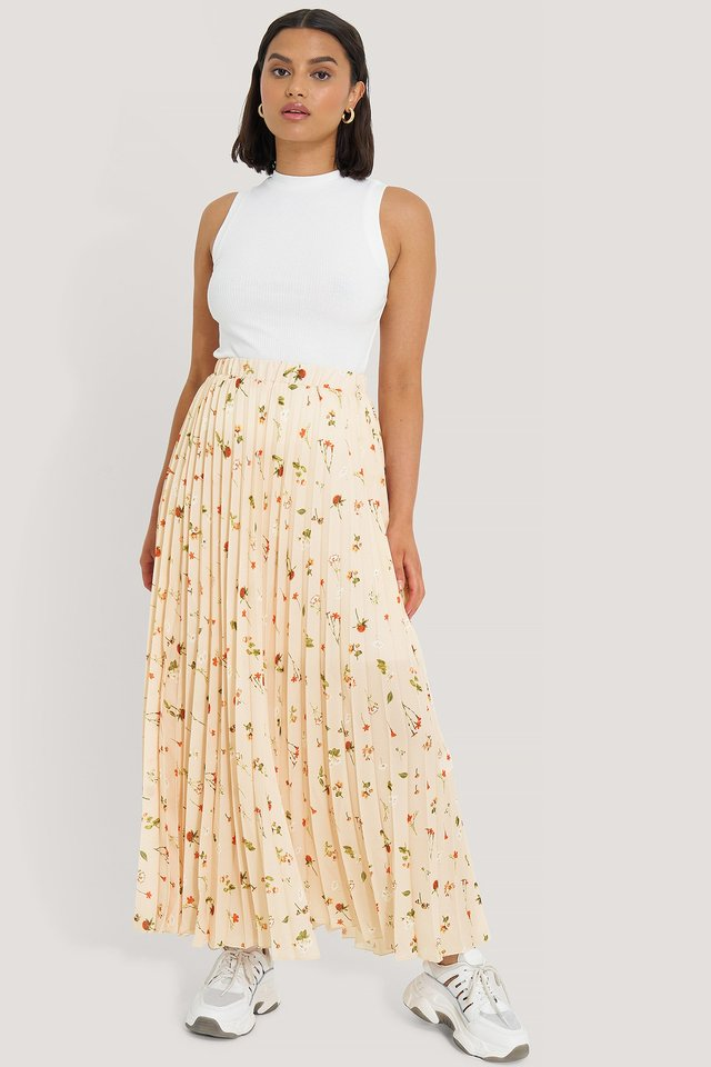 Powder Flower Maxi Skirt Outfit.