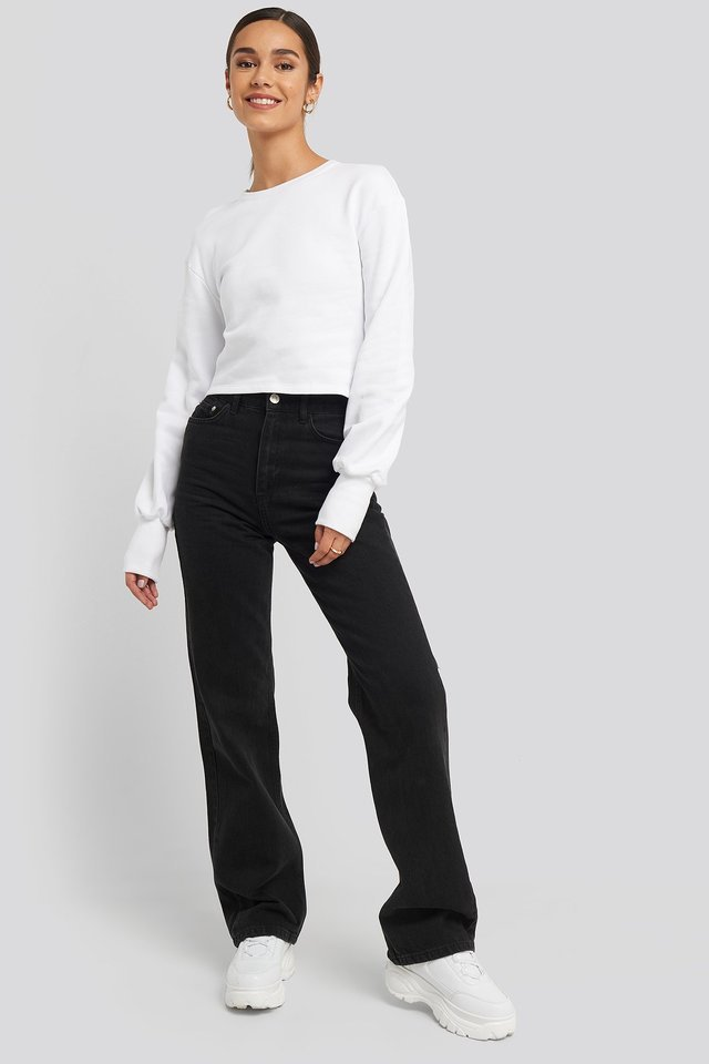 Balloon Sleeve Cropped Sweatshirt Outfit.