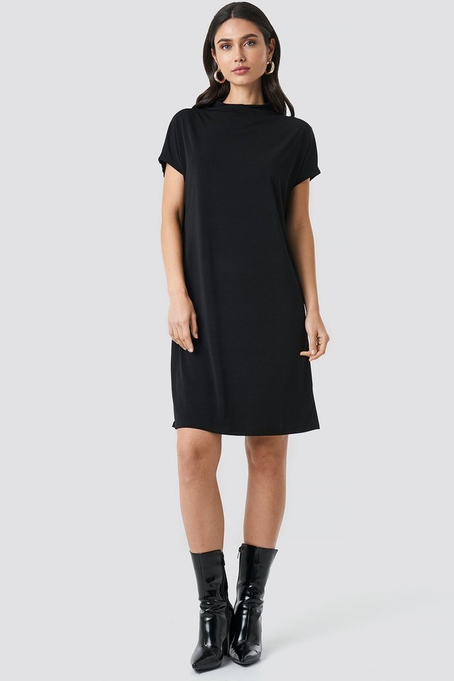 Jersey Cap Sleeve Dress Outfit.
