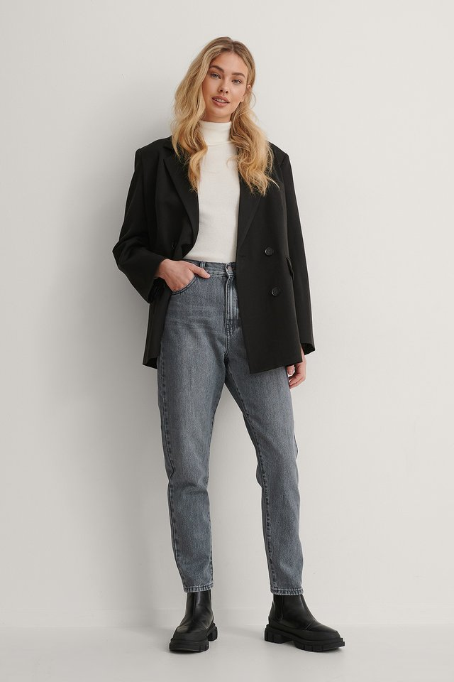 Nora Washed Jeans Outfit.