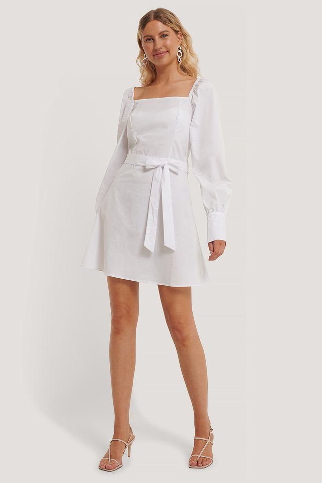Straight Shape Puffy Sleeve Dress Outfit.