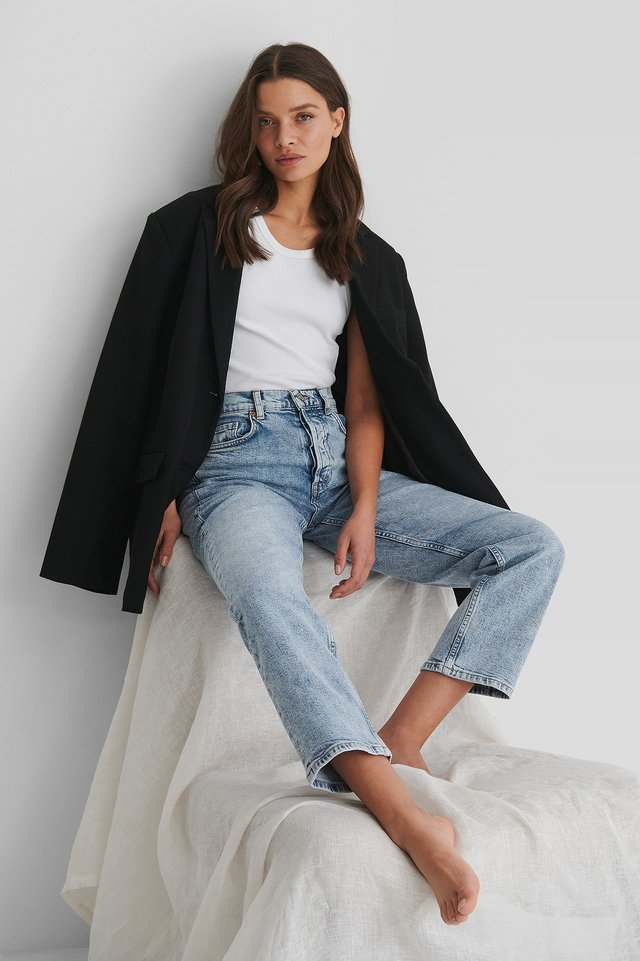 Premium Crop Jeans Blue Outfit.